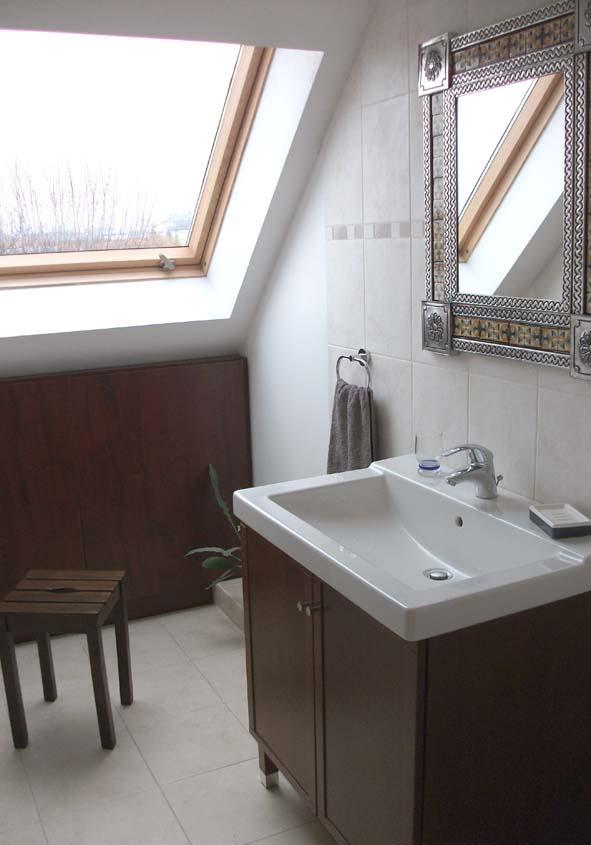 Salle de bain vue 2 tourisme toledo for Salle de bain in english